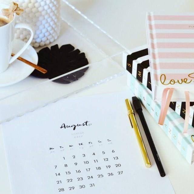 Hello August simplelife simpleplanner uzywamkiedychce simplecalendar plannermom plannowanie plannergirl planhellip
